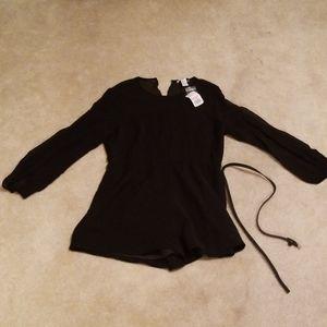 New black long sleeved jumper